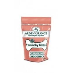 Kostičky Arden Grange Chrunchy Bites Salmon s lososem
